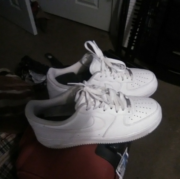 all white low top air force ones